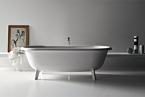 The form of Agape's Ottocento bath was inspired by vintage cast-iron tubs.