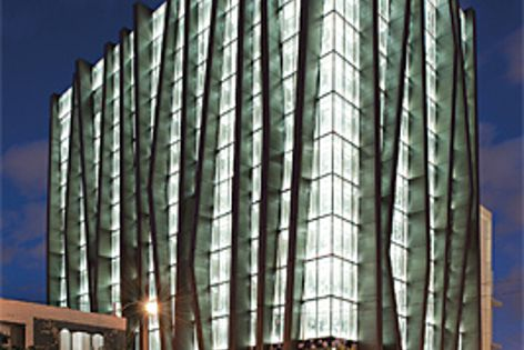 Animeo KNX uses a combination of sensors to optimize the position of the facade's solar protection.