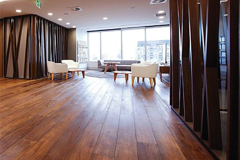 Tectonic flooring boasts benefits such as heat resistance and moisture resistance.