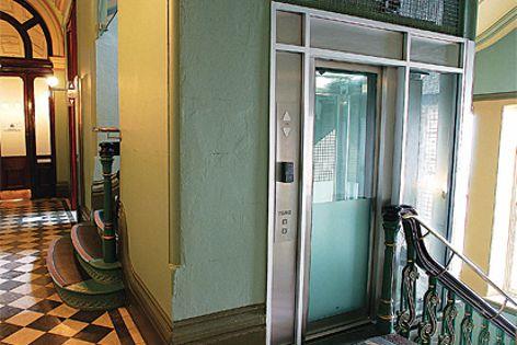 Liftronic elevator modernization