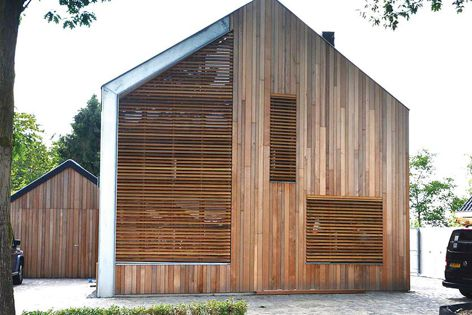 Available in flush, tongue-and-groove and weatherboard profiles, the Horiso timber louvre system helps reduce energy consumption.