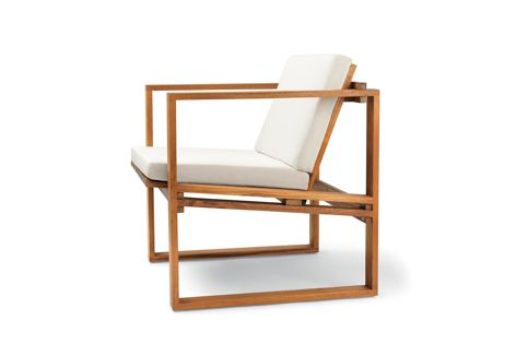 A BK11 lounge chair from the Indoor-Outdoor furniture series by Bodil Kjær for Carl Hansen and Son, available from Cult showrooms in Australia and New Zealand.