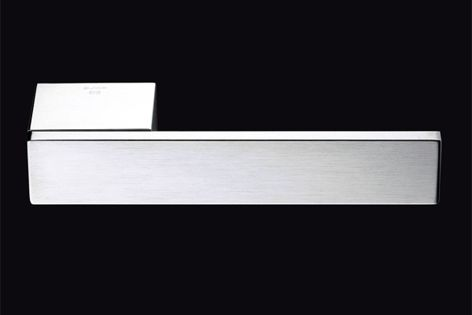 Olivari's Total M207 leverset is available in SuperInox Satin, BioChrome and BioSatin finishes.