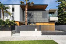 Kaynemaile-Armour mesh screens at Double Bay House