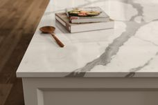 Natural marble texture in porcelain slabs