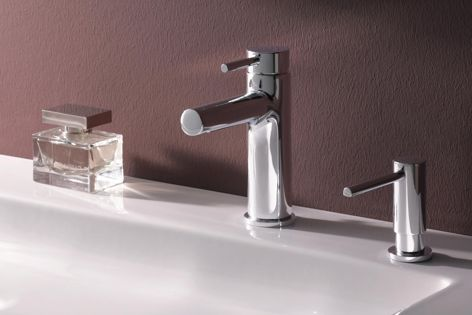 Twinplus tapware is available in three height options to suit different counter spaces and bathroom styles.