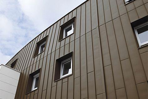 VM Zinc's Pigmento showcases the naturally grained texture of pre-weathered zinc.