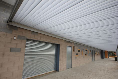 Everbright E610 Ice White panels were used recently at Barrymore Road Sports Pavilion in Melbourne. Project architect: Loft Architecture. Project Builder: Contract Control.