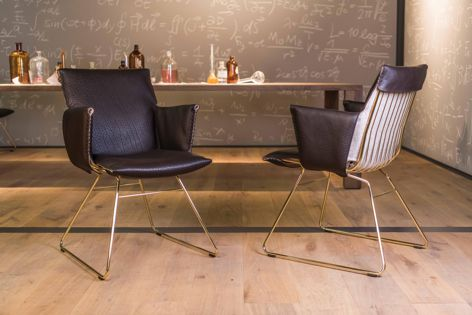 The DS-515 dining chair can also complement office environments and with a special cover can be used in semi-outdoor spaces.