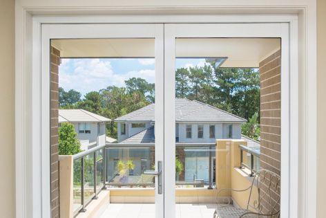 Trend's Quantum hinge door allows the creation of distinctive designs.