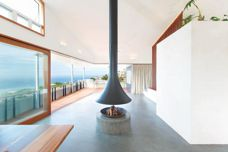 Suspended wood-burning and gas fireplaces