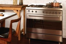 C9 freestanding cooker from Smeg