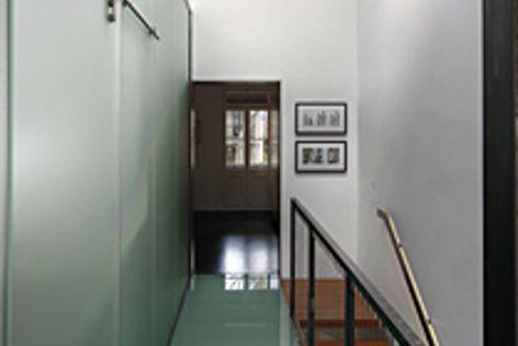 Laminated glass floor panels