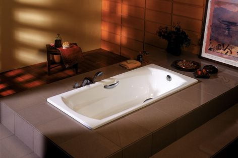 The Swing Plus bath and the Body Plus bath are minimalist-designed baths in thick steel.