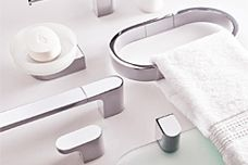 Adesso bathroom accessories