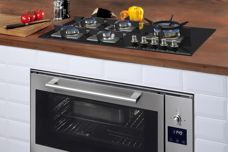 Black-glass gas cooktop by Ilve