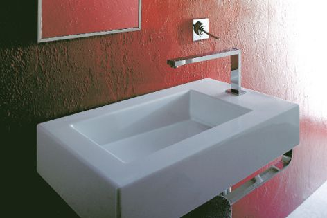 The sharp lines of the Space Free basin make a bold statement.