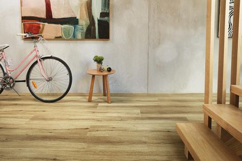 Heartridge's 1.8 metre Natural Oak range is richly textured, durable and comfortable underfoot.