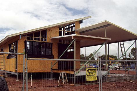 The SIP wall & Corrolink roof panels by Versiclad are used in 8-star Eco System Homes' construction.