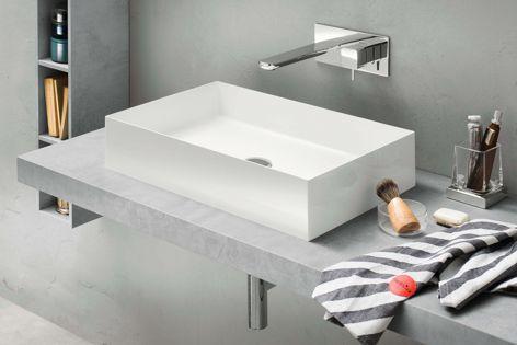 The Inda Zefiro washbasin features ultra-thin edges that create a sleek look for modern bathrooms.