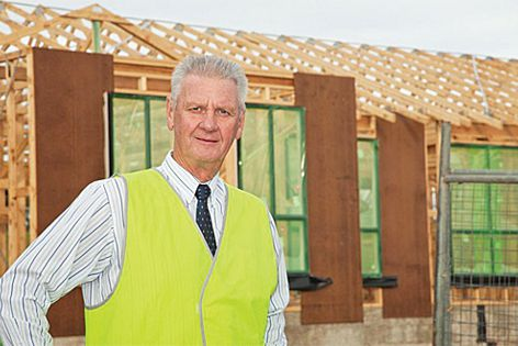 Masterton Homes' Steve Jackman demonstrates the value of Mitek Truss Spacers to his business.
