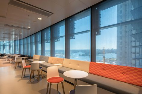 Hunter Douglas Commercial recently fitted Towers 1 and 2 at Barangaroo South with its Screen Nature Ultimetal (SNU) fabric.