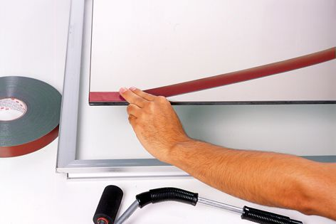 3M VHB structural glazing tape requires no cure time – glazing units can be installed within hours.